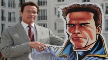 Se Schwarzenegger som «The Governator»