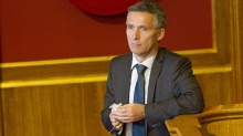 Hyre anklager Stoltenberg for sykehjemsblff