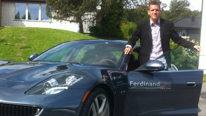 Brroms redaksjonssjef er ute og tester Norges eneste Fisker Karma. Den omdiskuterte hybrids-sportsbilen som virkelig fr folk til  snu seg p gaten.