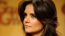  Katie Holmes sa opp datteren til Tom Cruise