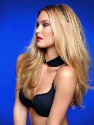 MODELL: Refaeli mener at Justin Bieber og Tom Cruise er drmmetypene.
