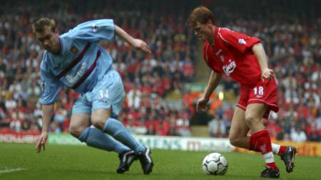 RIISES DEBUT: John Arne Riise Premier League-debuterte hjemme mot West Ham 18.august 2001.