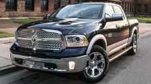 Ram 1500: Gjett hva denne fr under panseret